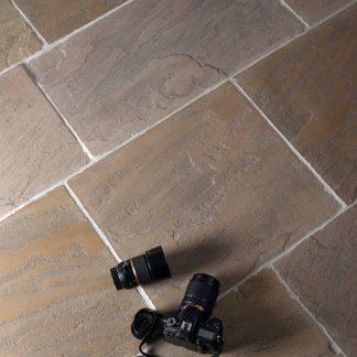 Banbury-antique-tumbled-sandstone